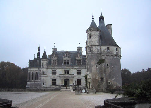 Entrance approach to Chenonceau with Marques Tower