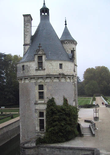 The Marques Tower with the well to the right