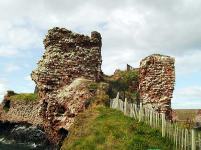 Close-up of the ruinous castle